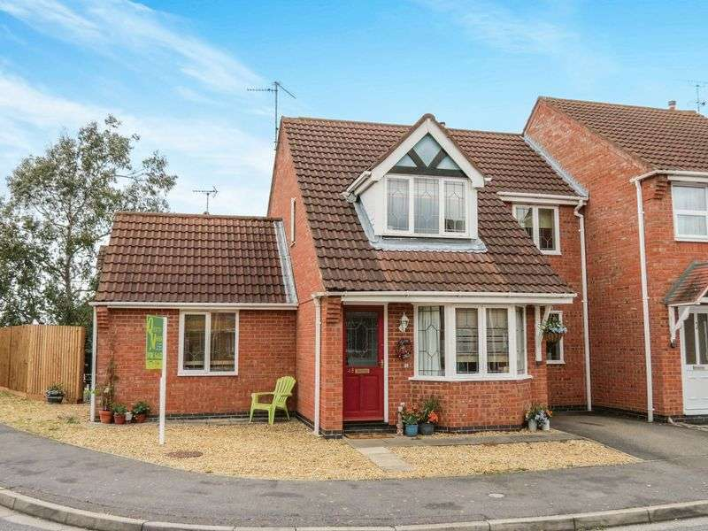 4 Bedrooms Semi Detached House for sale in Bourne
