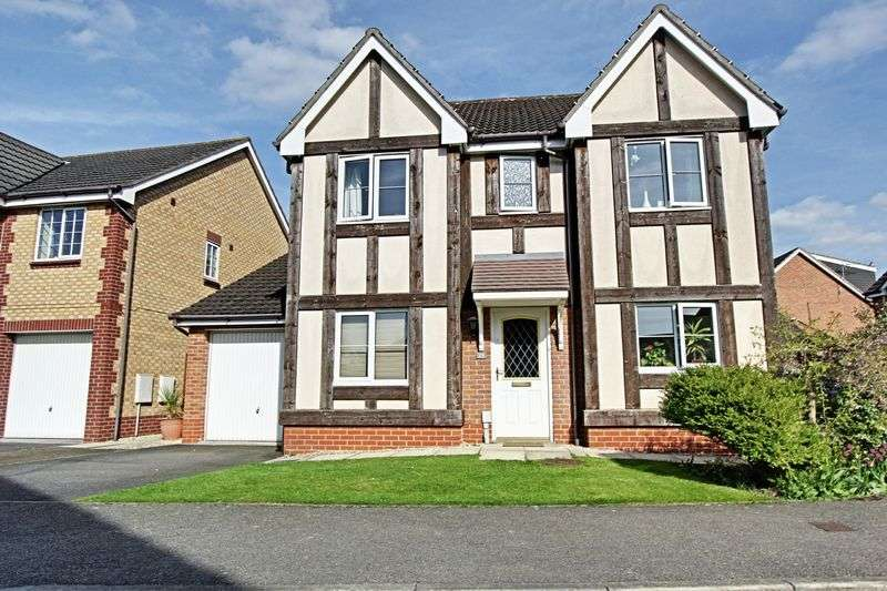 4 Bedrooms Detached House for sale in Warwick Drive, Beverley
