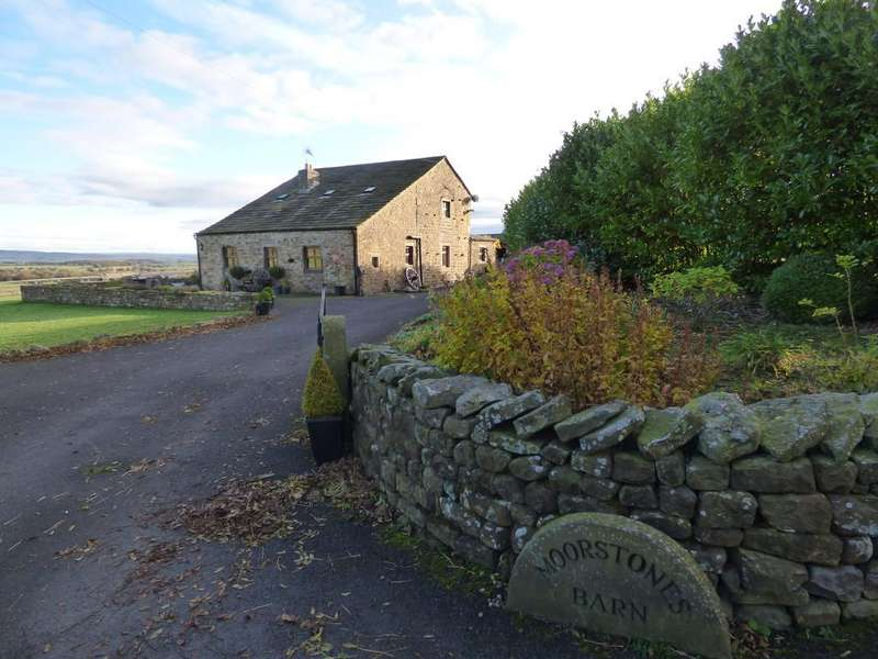 3 Bedrooms Barn Conversion Character Property for sale in Moorstones Barn, Knotts Lane, Tosside