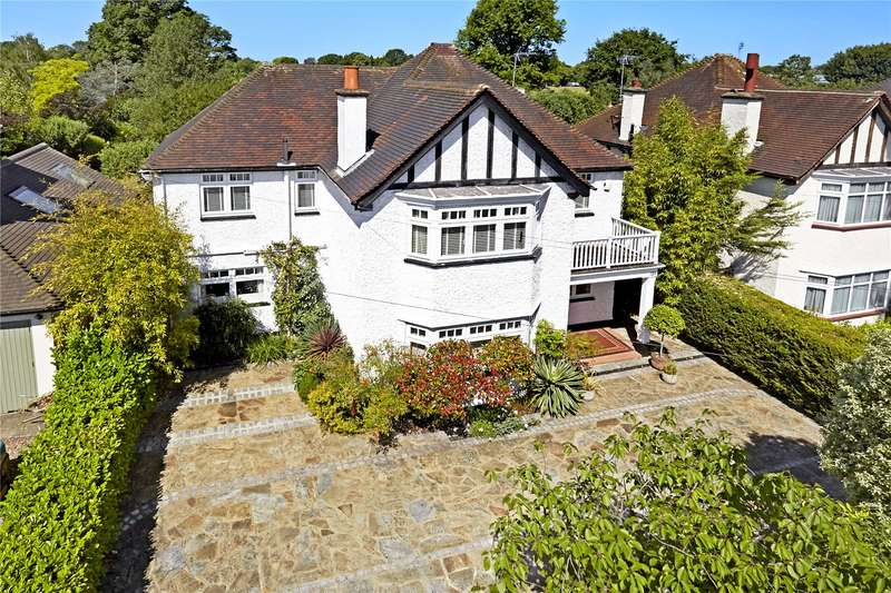 5 Bedrooms Detached House for sale in Ember Lane, Esher, Surrey, KT10