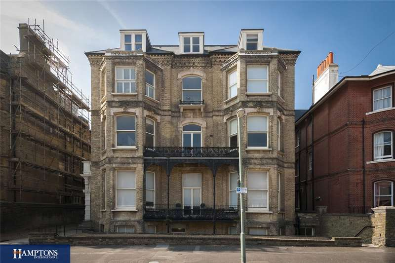 2 Bedrooms Flat for sale in Third Avenue, Hove, East Sussex, BN3