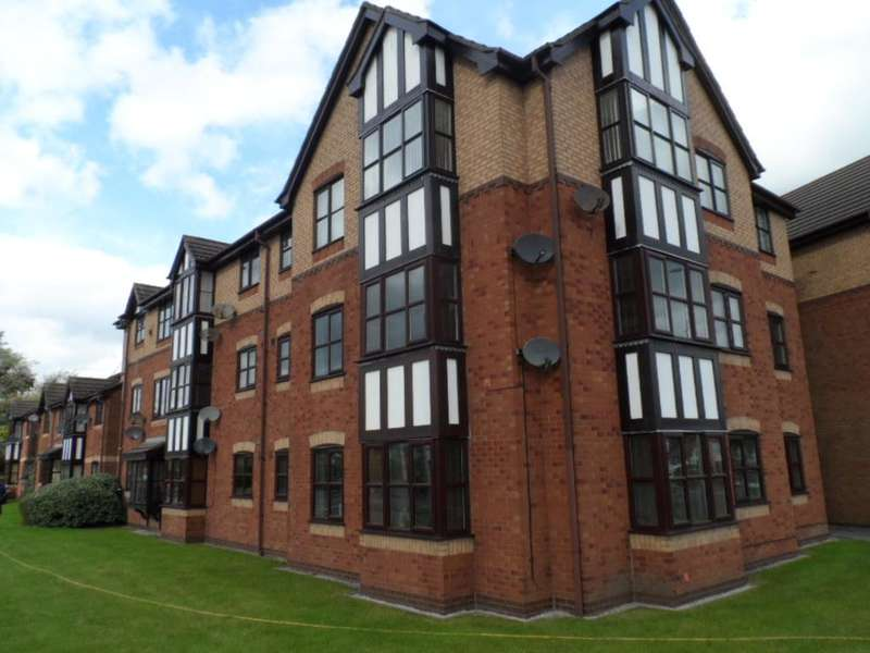 2 Bedrooms Property for sale in Flat 16, Mythop Court, Blackpool, FY4 4UU