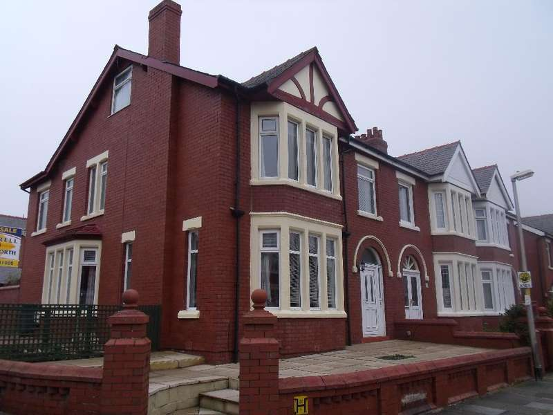 5 Bedrooms Property for sale in 58, Blackpool, FY1 2LU