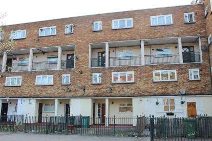 3 Bedrooms Maisonette Flat for sale in Plaistow, London, England
