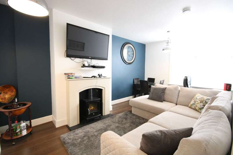 2 Bedrooms Apartment Flat for sale in BH5 Southbourne, Bournemouth