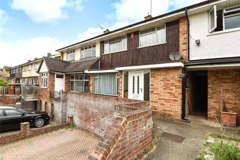 3 Bedrooms Terraced House for sale in Longcroft Road, Maple Cross, Hertfordshire, WD3