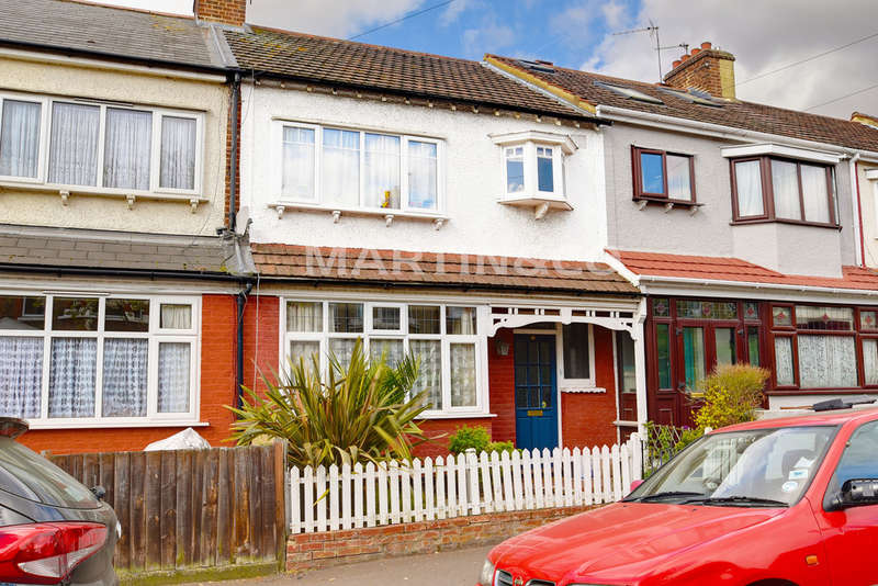 3 Bedrooms Terraced House for sale in Beacontree Road, Leytonstone