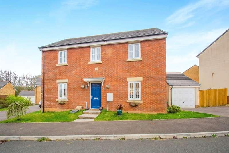4 Bedrooms Detached House for sale in Lonydd Glas, Llanharan, PONTYCLUN
