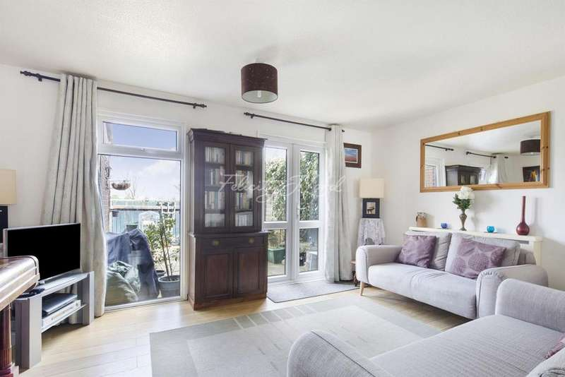 3 Bedrooms Terraced House for sale in Staveley Gardens, Chiswick W4