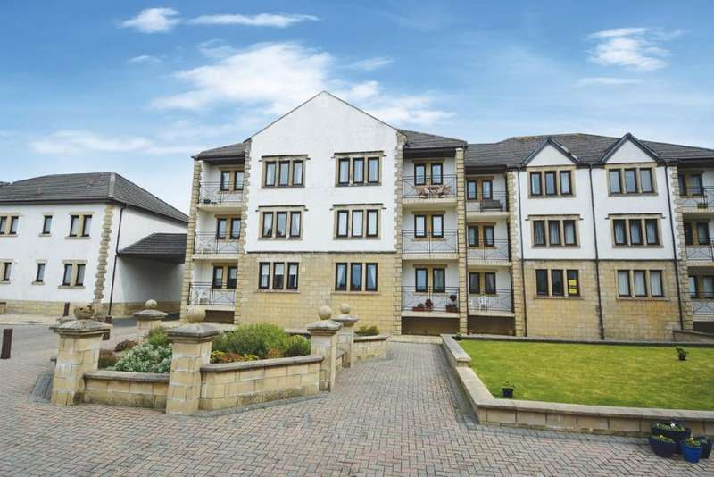 2 Bedrooms Ground Flat for sale in 40 Bowencraig, Largs, KA30 8TB