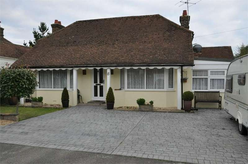 2 Bedrooms Detached Bungalow for sale in The Byeway, Bexhill-on-Sea, TN39