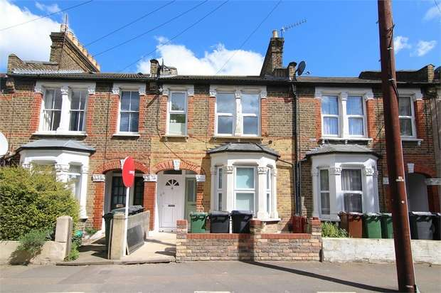 2 Bedrooms Flat for sale in Callis Road, Walthamstow, London