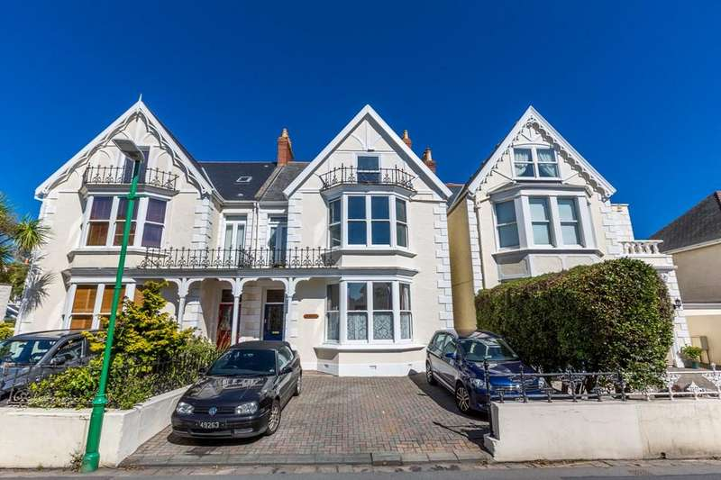2 Bedrooms Ground Flat for sale in Doyle Road, St. Peter Port, Guernsey