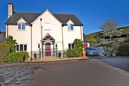 4 Bedrooms Detached House for sale in Sidbury, Sidmouth, Devon