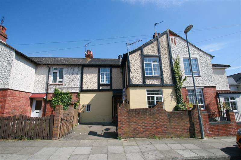 3 Bedrooms Terraced House for sale in Sixth Avenue, Portsmouth