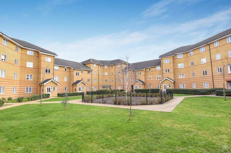 2 Bedrooms Flat for sale in Stanley Close, London
