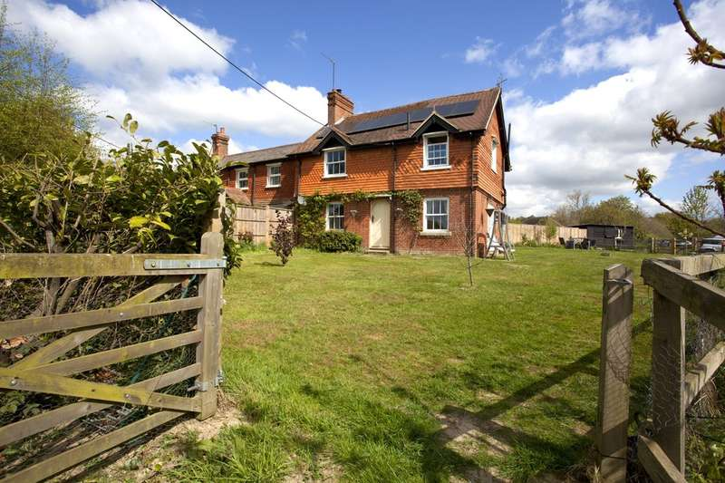 3 Bedrooms Semi Detached House for sale in Graylands Farm Cottages, Langhurstwood Road