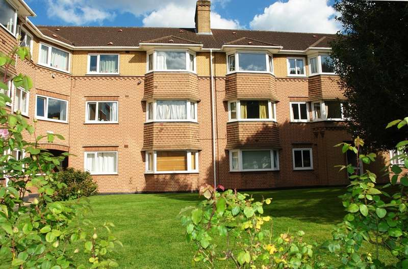 2 Bedrooms Flat for sale in Southbank, Surbiton