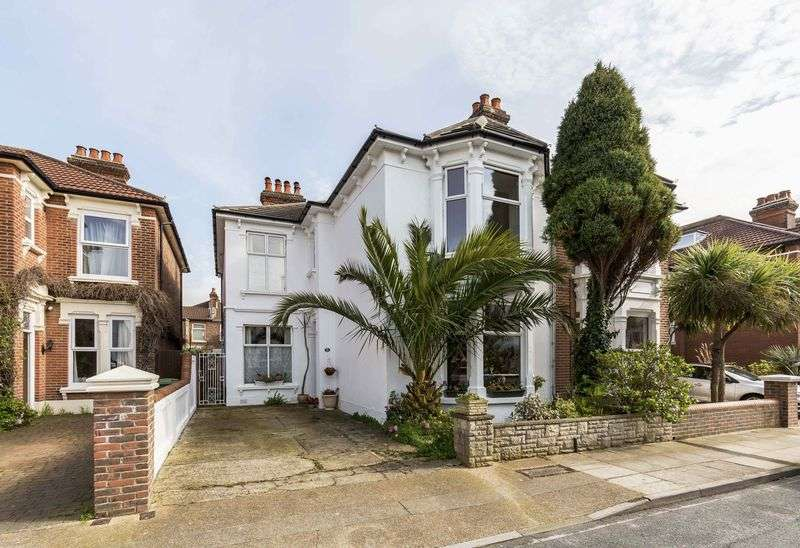 5 Bedrooms Semi Detached House for sale in Andover Road, Southsea