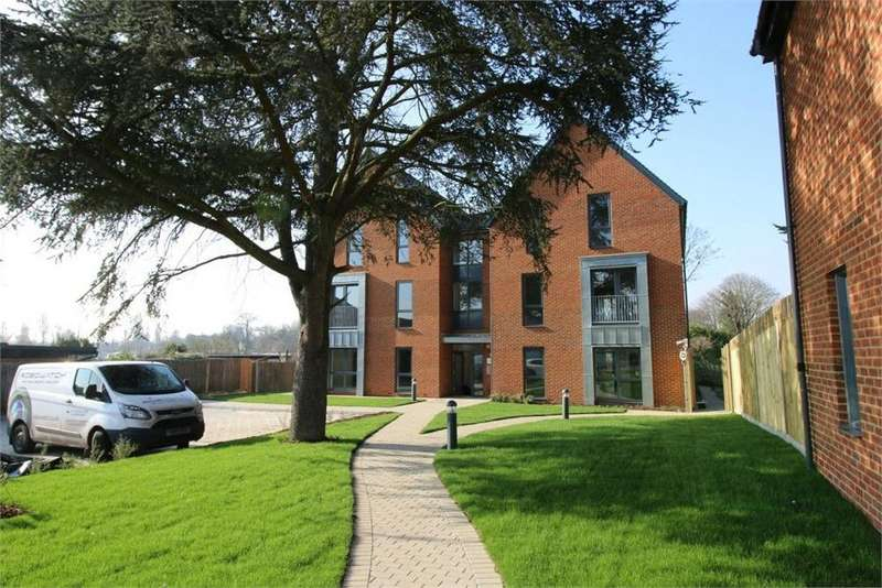2 Bedrooms Flat for sale in Patten Court, 129 Windmill Lane, Greenford, Greater London