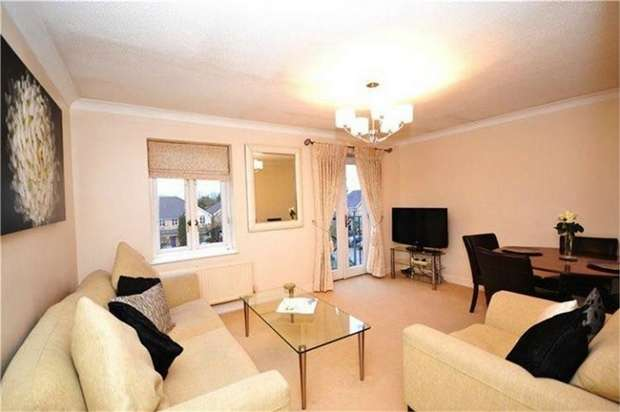 2 Bedrooms Flat for sale in Kensington Court, Grenville Place, Mill Hill, London