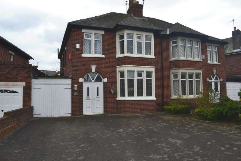 4 Bedrooms Semi Detached House for sale in South Park Drive, Blackpool, FY3