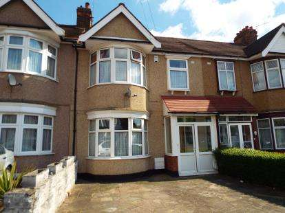 3 Bedrooms Terraced House for sale in Redbridge, Essex