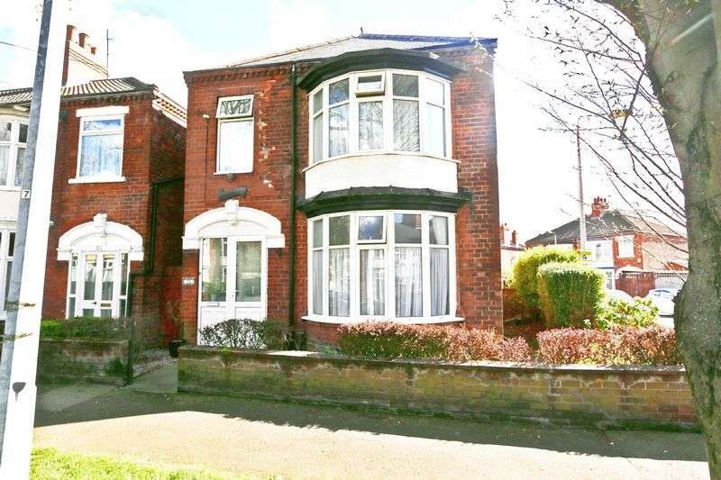 3 Bedrooms Detached House for sale in Desmond Avenue, Hull