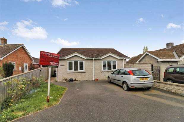 3 Bedrooms Detached Bungalow for sale in Chancellor Road, Walton, Street