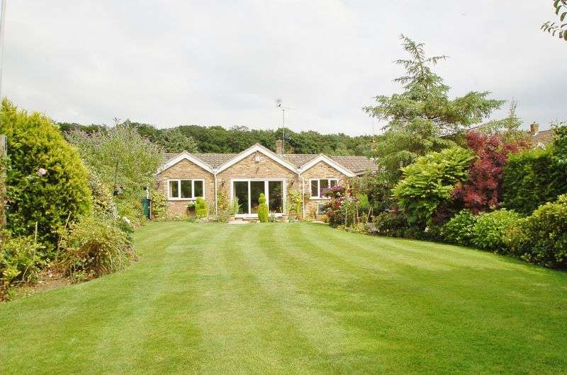 4 Bedrooms Detached Bungalow for sale in Great Kingshill
