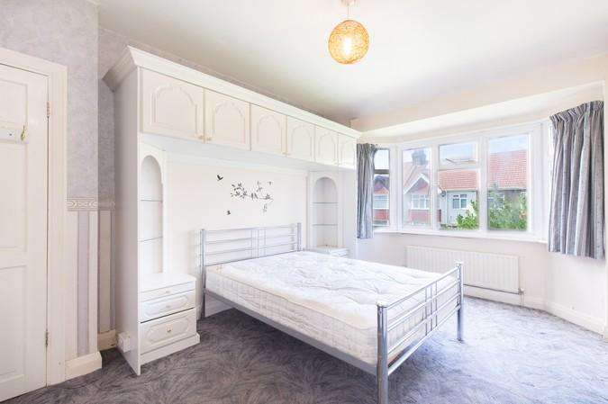 3 Bedrooms Terraced House for sale in Park View, Acton