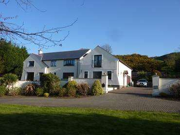 6 Bedrooms Detached House for sale in Parsonage Glebe , St. Johns, IM4 3LT