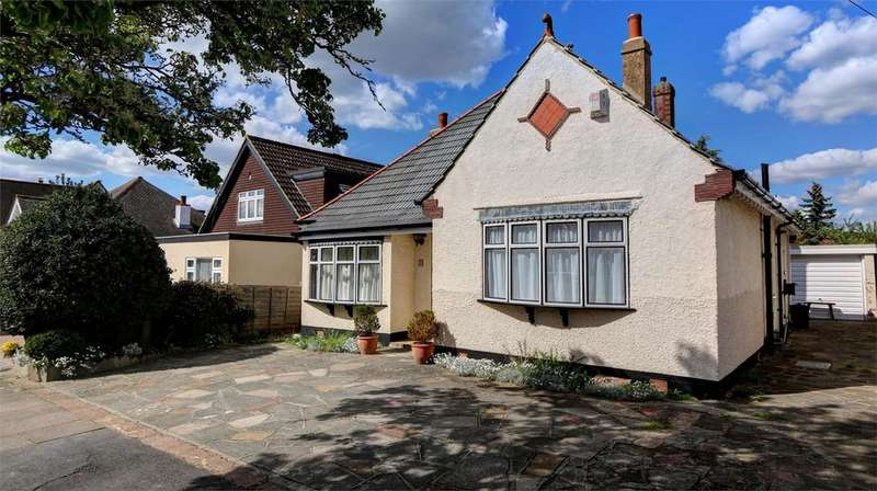 3 Bedrooms Detached Bungalow for sale in Mayfield Road, Bickley, Bromley, Kent