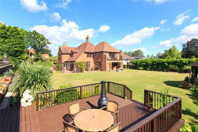 5 Bedrooms Detached House for sale in Blofield Road, Brundall, Norfolk