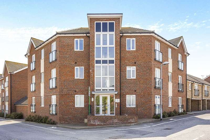 2 Bedrooms Flat for sale in Camellia Road, Minster On Sea, Sheerness, ME12