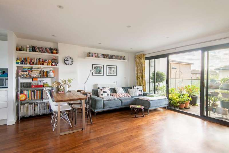 2 Bedrooms Apartment Flat for sale in Richmond Road, Hackney, London E8