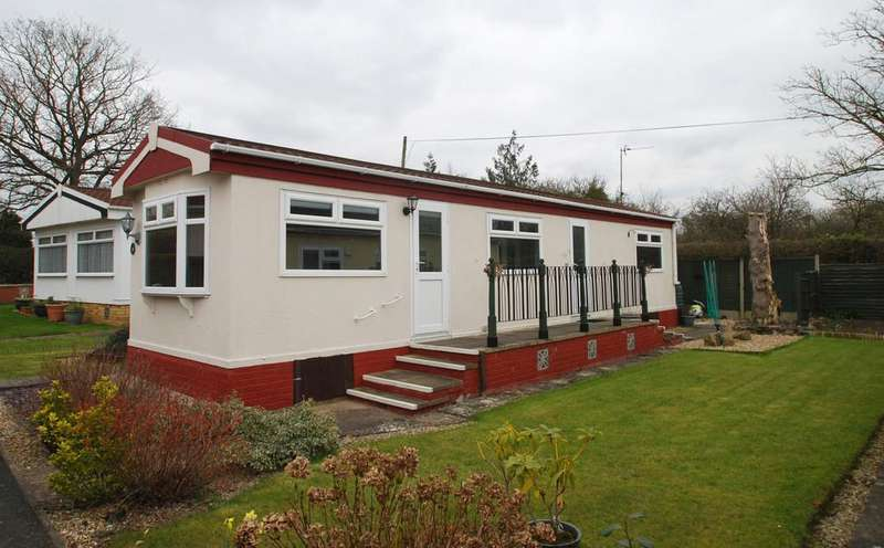 2 Bedrooms Mobile Home for sale in Hook Bank Park, HANLEY CASTLE
