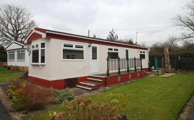 2 Bedrooms Mobile Home for sale in Hook Bank Park, HANLEY CASTLE