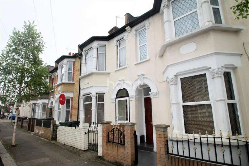 3 Bedrooms End Of Terrace House for sale in Hartington Road