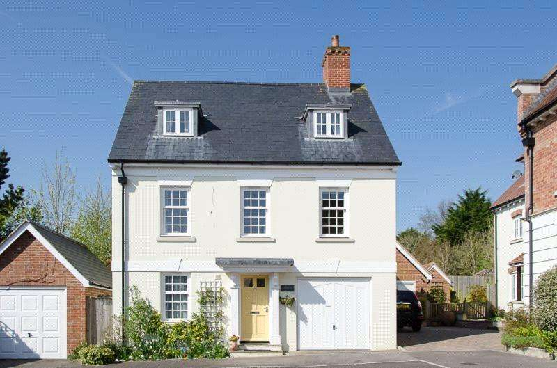 4 Bedrooms Detached House for sale in Fairfield Heights, Sherborne, Dorset, DT9