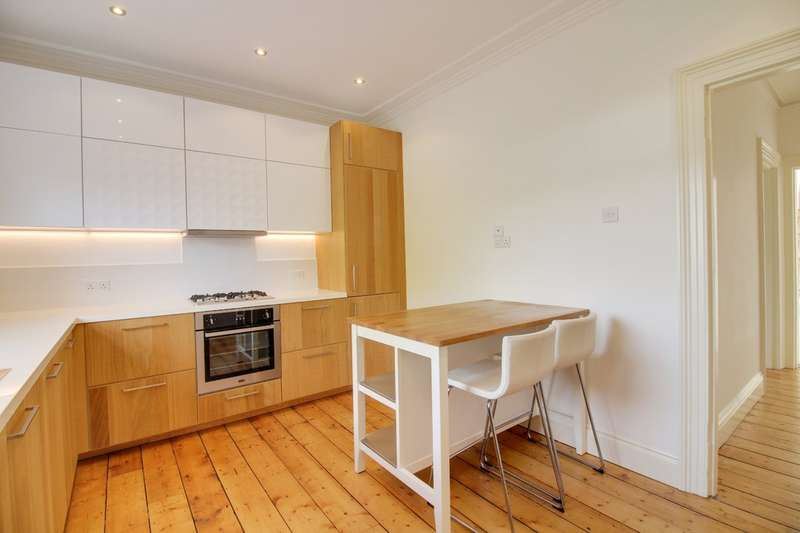 3 Bedrooms Flat for sale in South Road, Newton Abbot