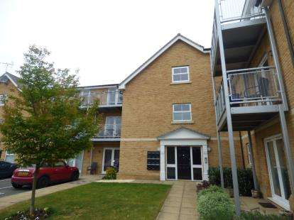 2 Bedrooms Flat for sale in Benfleet, Essex