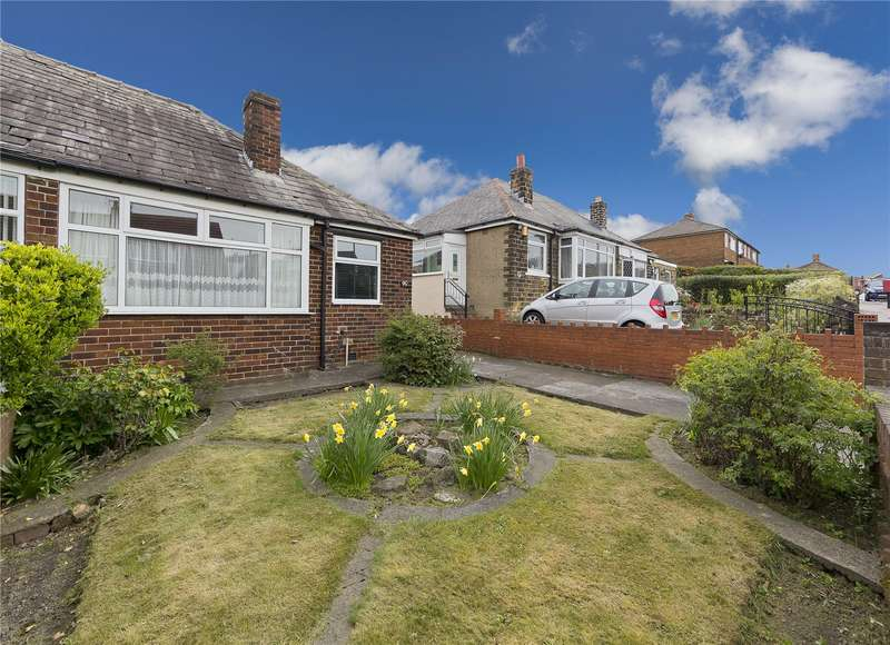 3 Bedrooms Semi Detached Bungalow for sale in Smalewell Road, Pudsey, West Yorkshire, LS28