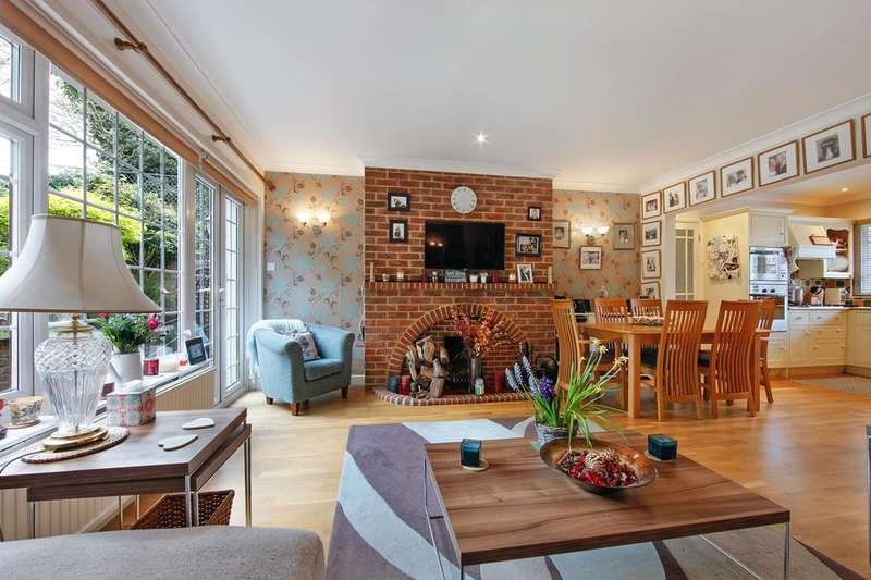 3 Bedrooms House for sale in Honor Oak Rise, London SE23