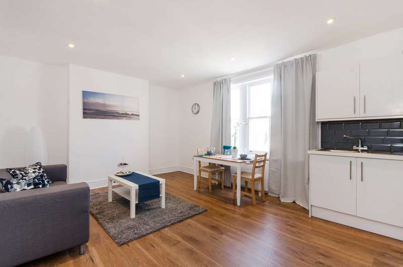 3 Bedrooms Maisonette Flat for sale in Greyhound Lane, Streatham Common, SW16