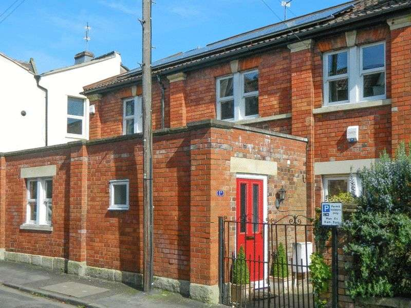 3 Bedrooms Semi Detached House for sale in Brighton Road, Redland