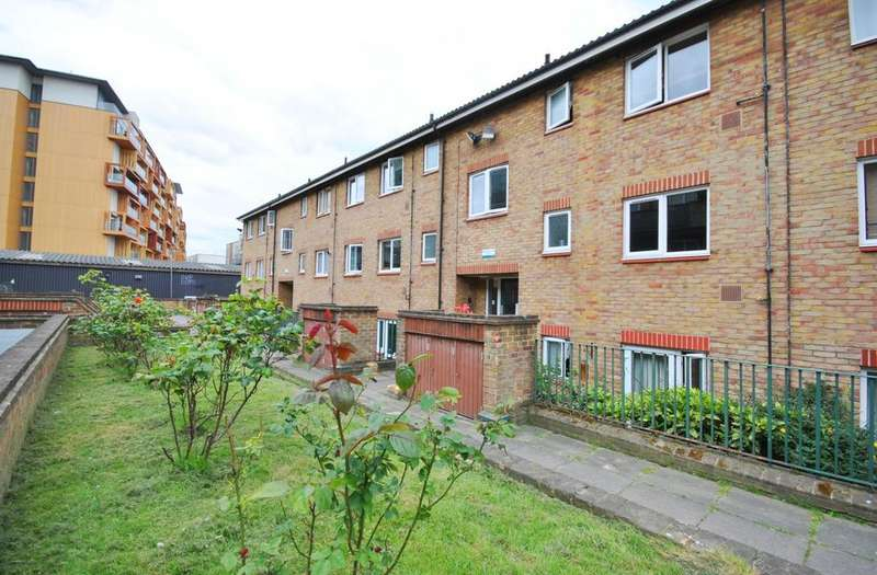 1 Bedroom Flat for sale in Marlborough Close Walworth SE17