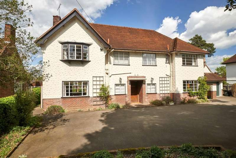 5 Bedrooms Detached House for sale in Lexden