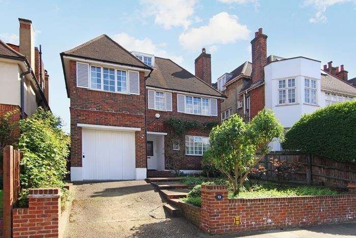 5 Bedrooms Detached House for sale in Rusholme Road, London