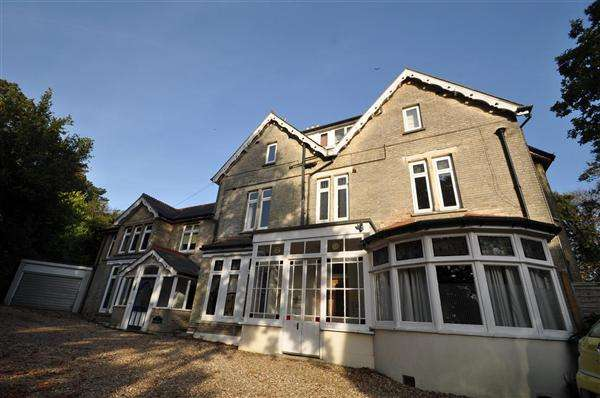 3 Bedrooms Apartment Flat for sale in Lower Parkstone